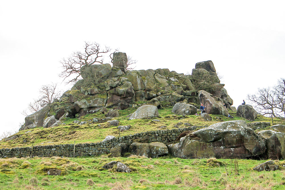 Walk Derbyshire – Through Elton's  Gritstone Countryside