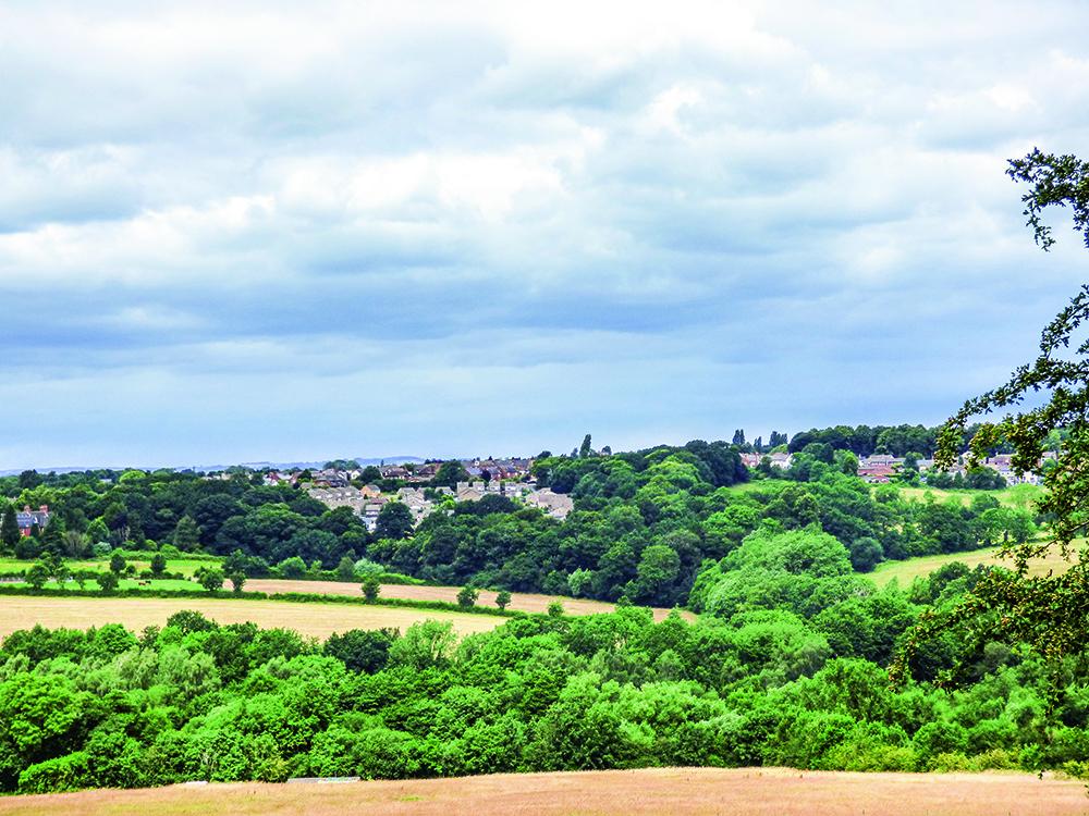 Walk Derbyshire – Walking from Golden Valley to Codnor Castle